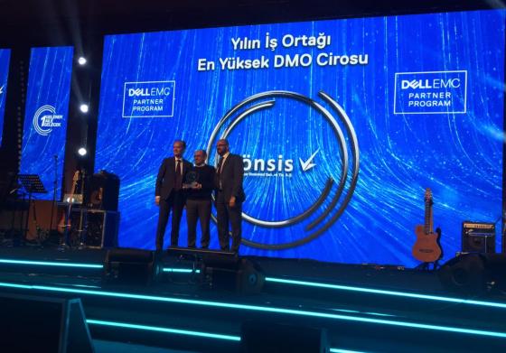 Dell Yılın En Yüksek DMO Cirosu Ödülü Yönsis Bilgisayar'a verildi.
